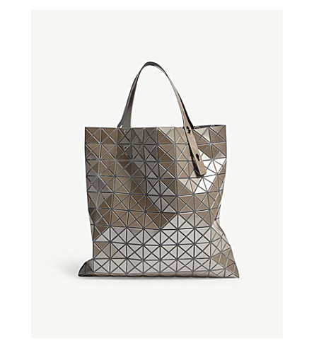 f7832f273df3 ... ISSEY MIYAKE Prism Metallic tote bag (Beige. PreviousNext