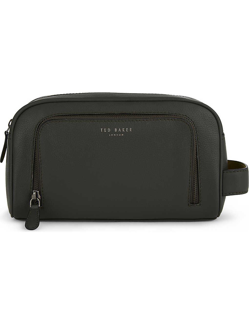 13013bb3c724 TED BAKER - Onyahed leather wash bag