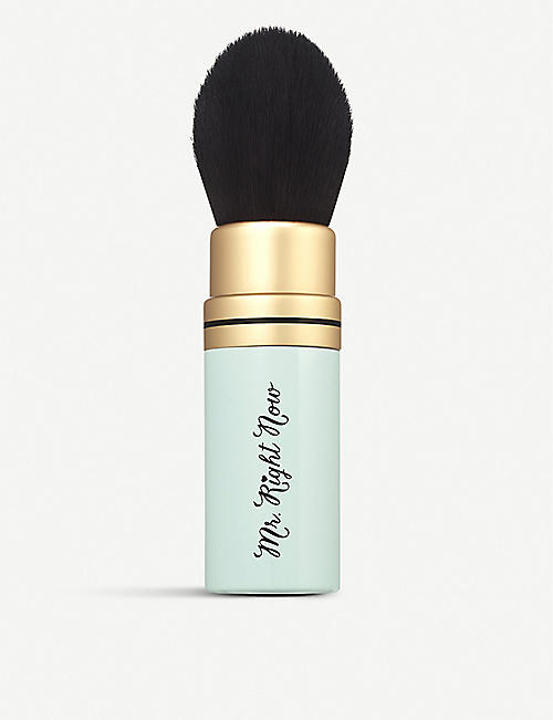 TOO FACED: Mr. Right Now Makeup Brush