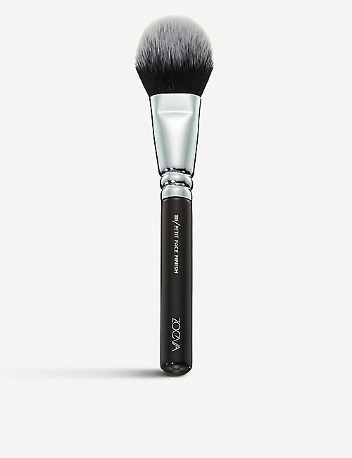 ZOEVA: 111 Petit Face Finish brush