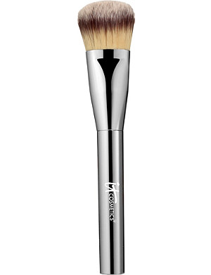 IT COSMETICS Heavenly Luxe Plush Paddle Foundation Brush