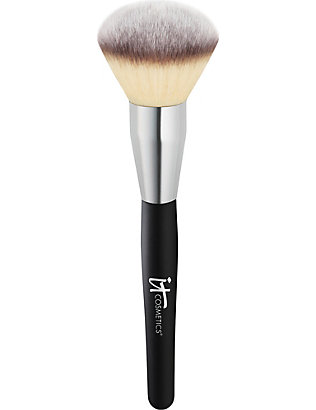 IT COSMETICS: Heavenly Luxe Jumbo Powder Brush
