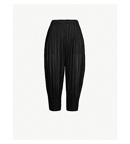 cdea9486af PLEATS PLEASE ISSEY MIYAKE Fluffy cropped high-rise pleated barrel-leg  trousers