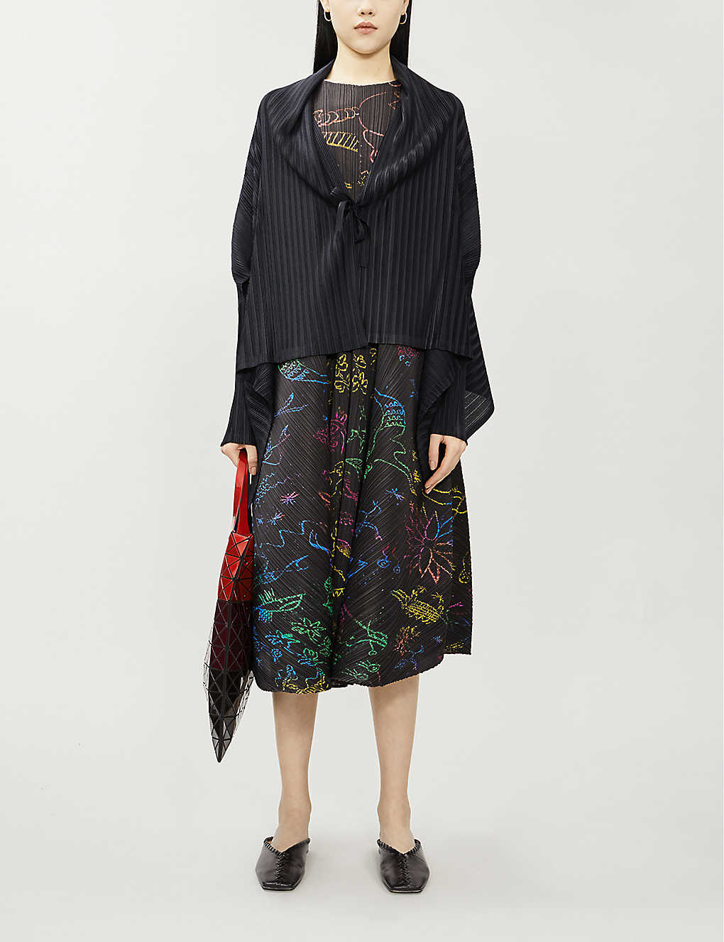 PLEATS PLEASE ISSEY MIYAKE: Pleated woven crepe cape