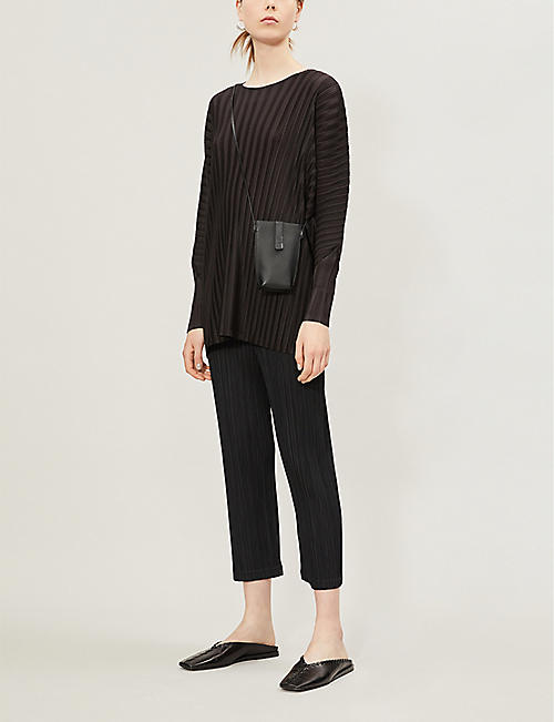 85d53655c6 PLEATS PLEASE ISSEY MIYAKE Cropped high-rise pleated crepe trousers