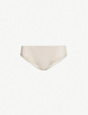 WACOAL Scalloped lace briefs