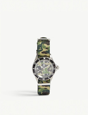 A BATHING APE Camouflage print watch