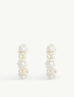 SIMONE ROCHA Pearl Daisy hoop earrings