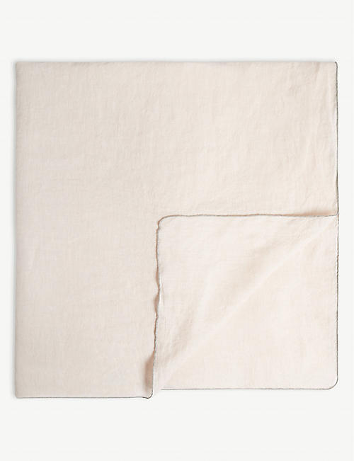 BROSTE Gracie linen tablecloth 160 x 200cm