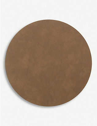 LIND DNA: Curve leather table mat 30cm