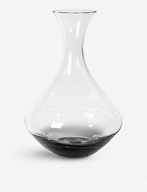 BROSTE: Smoke glass decanter 26cm