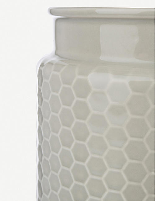 THE KITCHEN PANTRY Honeycomb-embossed stoneware utensil storage jar 18cm