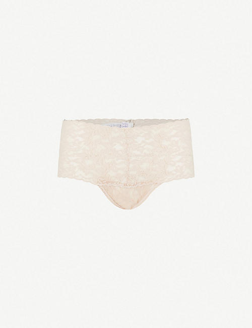 HANKY PANKY: Retro stretch-lace thong
