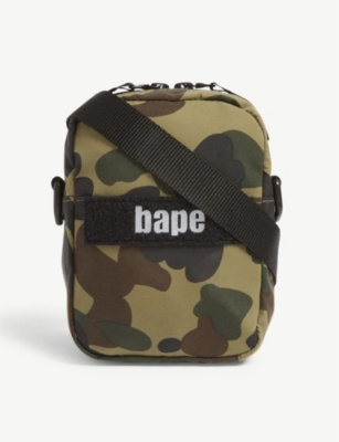 A BATHING APE Camouflage cross-body bag