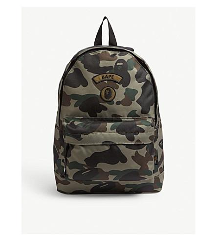 A BATHING APE Logo camouflage canvas backpack (Green f2f8322f5f10c