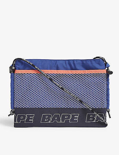 561bf2a63855 A BATHING APE Branded cross-body pouch