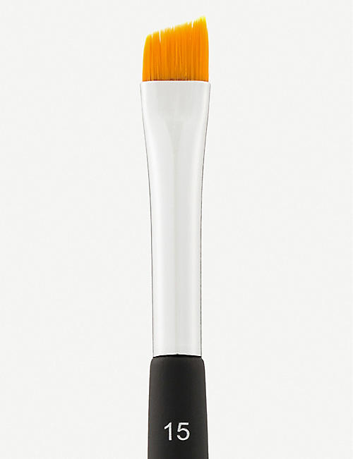 ANASTASIA BEVERLY HILLS Angled Cut Brow Brush #15