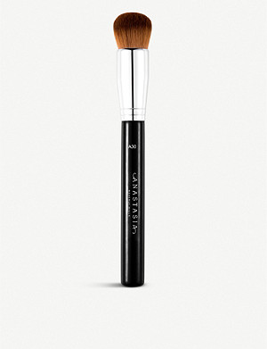 ANASTASIA BEVERLY HILLS A30 Pro Domed Kabuki Brush