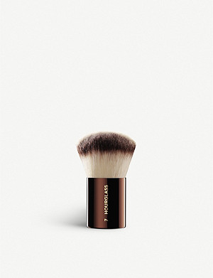HOURGLASS No.7 Finishing Brush