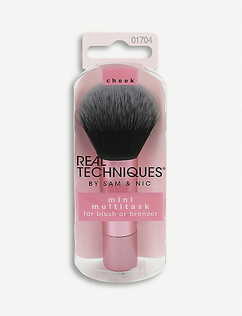 REAL TECHNIQUES: Mini Multitask brush