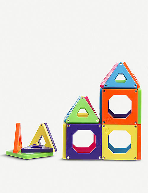FAO SCHWARZ DISCOVERY: Toy magnetic tiles set of 24 pieces