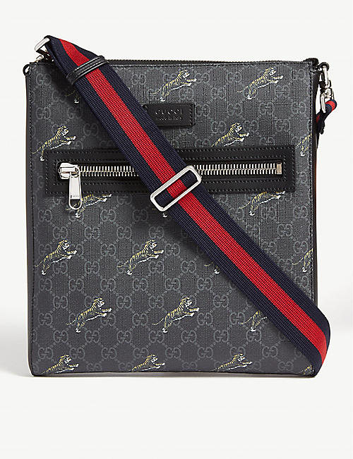 a55461b982 GUCCI GG Supreme tigers canvas messenger bag
