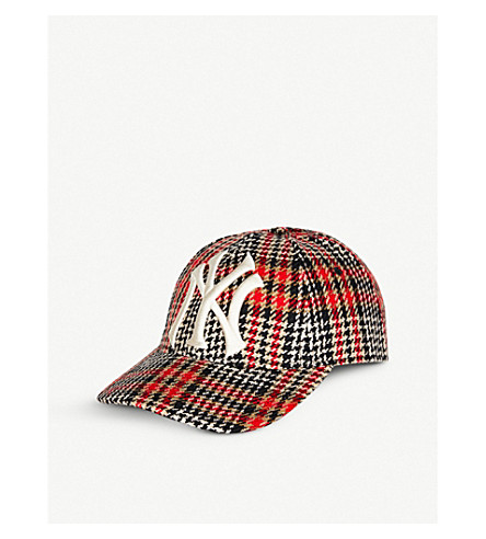 ... GUCCI New York Yankees™ checked woven baseball cap (Black+red.  PreviousNext bb2f99227a5