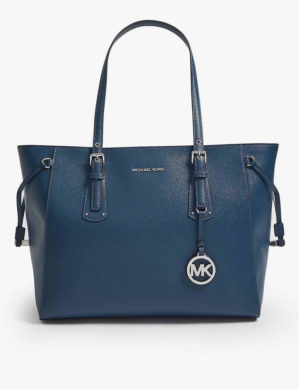 3b6e19207c714f MICHAEL MICHAEL KORS - Voyager medium leather tote | Selfridges.com