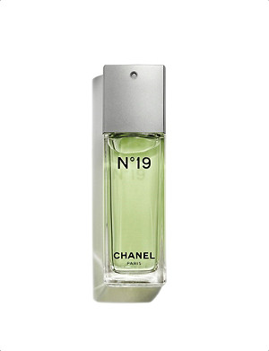 CHANEL Nº19 Eau de Toilette Spray 50ml