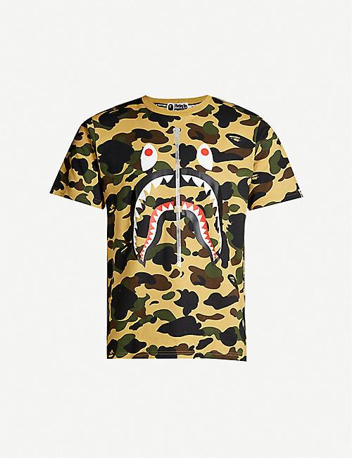 2108c06d0f09 A BATHING APE Shark camouflage-print cotton-jersey T-shirt