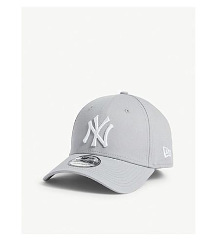 New Era New York Yankees 9forty Baseball Cap In Grey/optic White