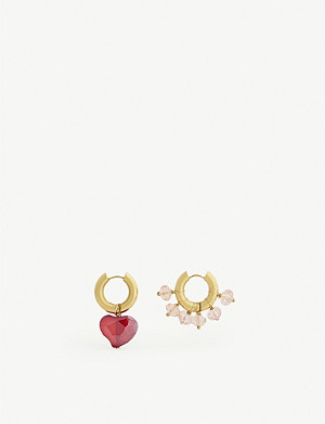 TIMELESS PEARLY Mismatched heart and crystal hoop earrings