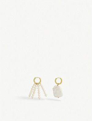 TIMELESS PEARLY Mismatched pearl and gold-vermeil drop earrings