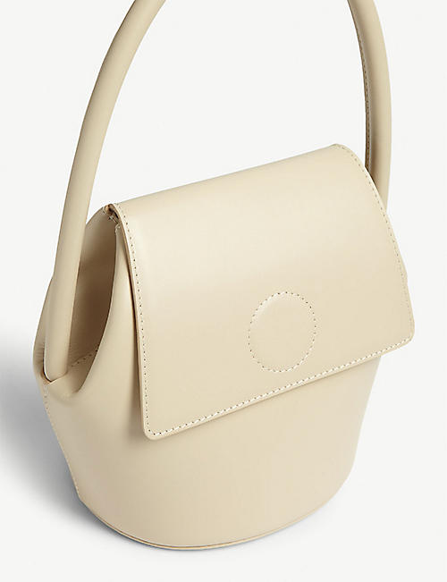 MODERN WEAVING Arch leather bucket bag