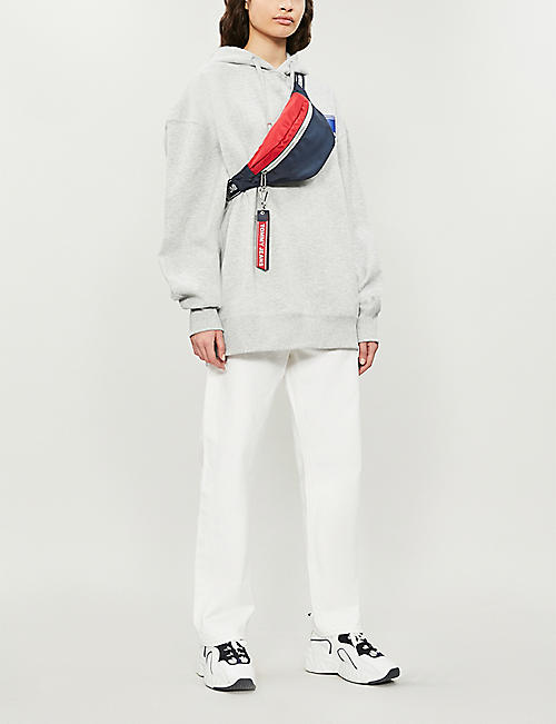 TOMMY JEANS Logo tape belt bag
