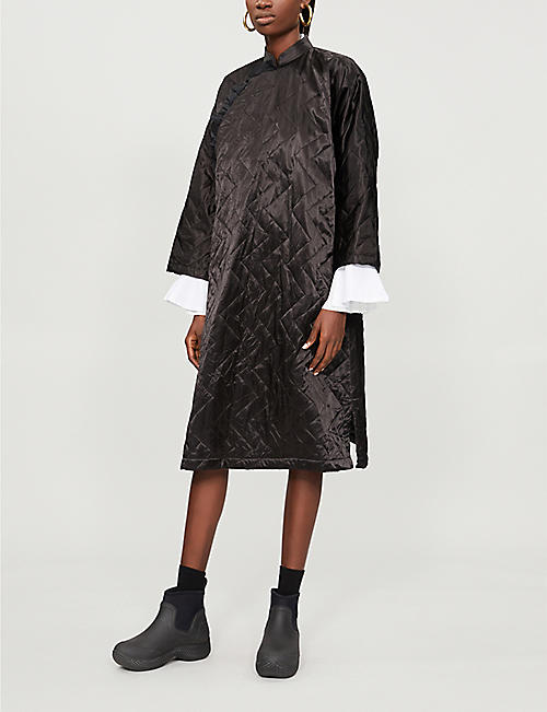 COMME COMME DES GARCONS Mandarin-collar quilted satin dress