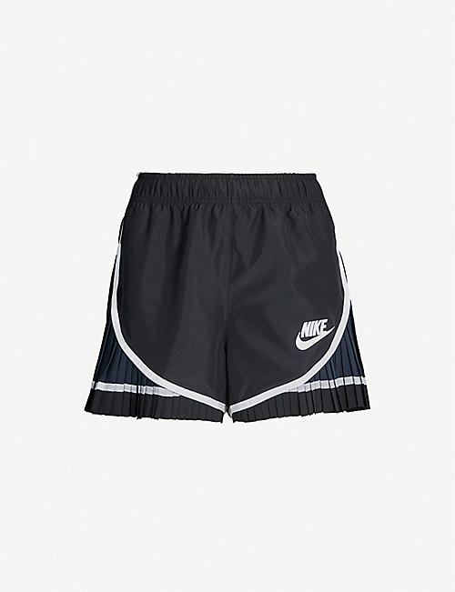 NIKE X SACAI Tempo pleat-panelled logo-print woven shorts
