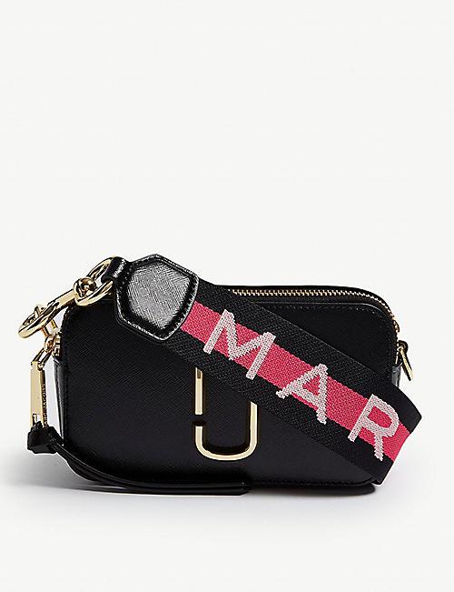 614f026f990a MARC JACOBS - Snapshot cross-body wallet