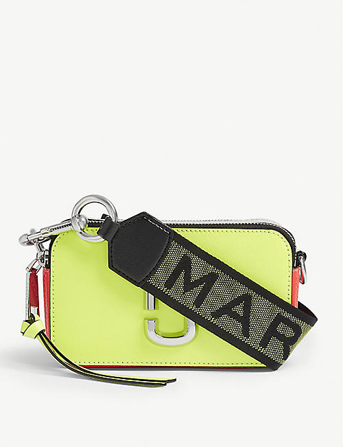 ce38de9c4b5b MARC JACOBS Snapshot cross-body bag