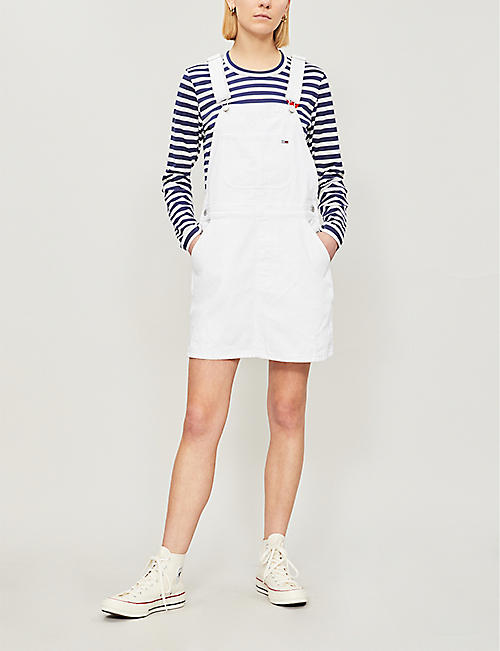 TOMMY JEANS Logo-patch denim dungaree dress