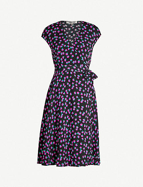 fb28a6351a3f8 DIANE VON FURSTENBERG Swirling Berry-printed sleeveless crepe wrap dress