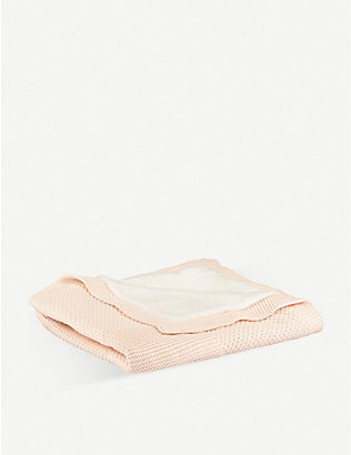 THE LITTLE TAILOR: Cable knit fleece blanket