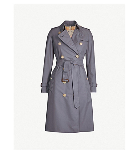 bf91c958cde9 BURBERRY - The Kensington Heritage check-lined cotton-gabardine ...