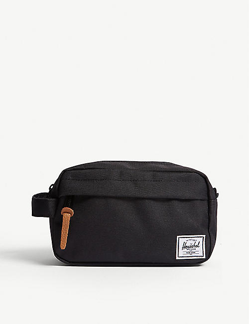 b418d978a4e HERSCHEL SUPPLY CO Chapter wash bag