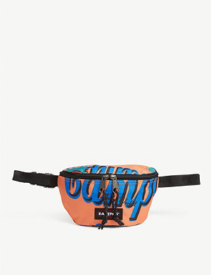 EASTPAK Andy Warhol Campbell's Soup print belt bag