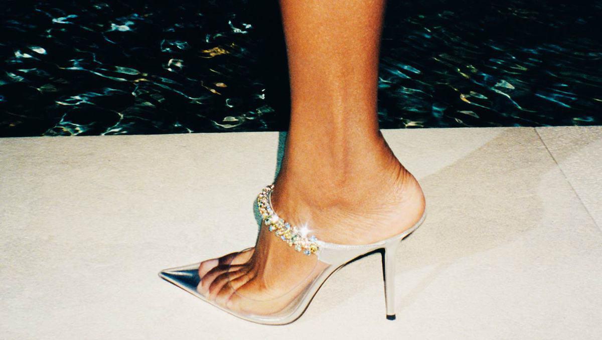 Head-turning heels