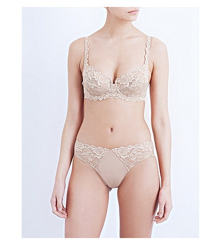 0a1eefb60b6f3 WACOAL Eglantine stretch lace underwired bra on PopScreen