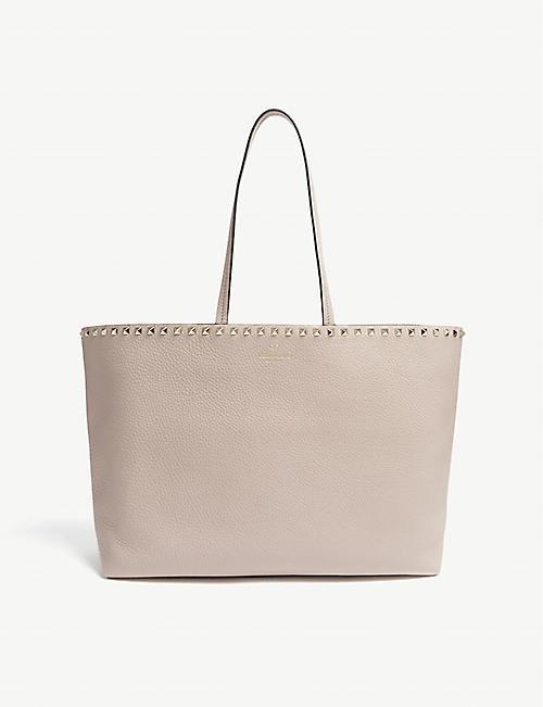 VALENTINO Rockstud grained leather shopper bag 87351eff204c