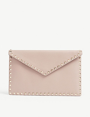 VALENTINO Rockstud grained-leather clutch