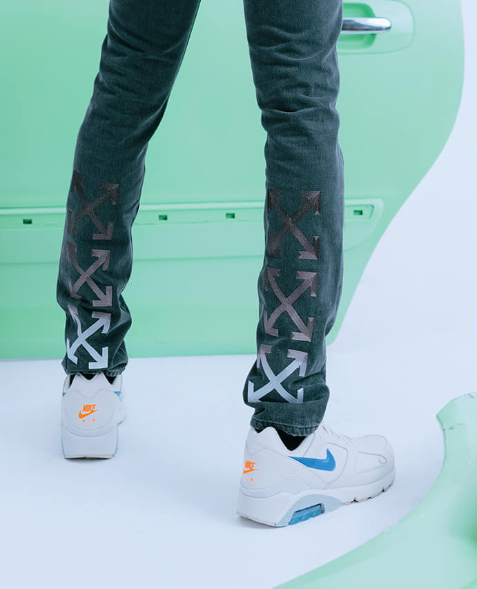 0b24e3820 OFF-WHITE – hoody and jeans   Nike – trainers